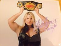 Beth Phoenix Signed Photo 8x10 Wwe 2017 Hall Of Fame Wrestling