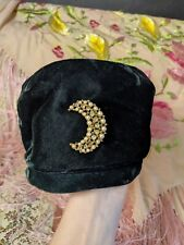 Vintage Emerald Green Velvet Cloche Hat with Rhinestone Crescent Moon