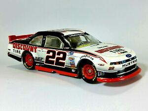 Brad Keselowski #22 Discount Tire 2013 NASCAR Lionel 1:64 DieCast