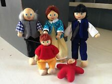 Wooden Dollhouse Family Lot of 5 Grandpa Mom Dad Child Baby Melissa & Doug?