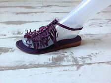P38- Chaussures Nu-pieds Femme NEUVES COULEUR POURPRE Modèle E-174 (89.00 €)