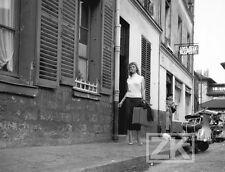 BOB LE FLAMBEUR Isabelle COREY Prostitution MELVILLE VESPA Montmartre Photo 1955