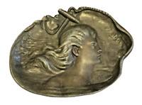 VIDE POCHE en REGULE Ancien Signé VIDAL 500 gr décor à la femme coupe plateau