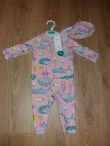 M&S Baby Girl Age 9-12 Months Pink UV Sun/Swimming Suit & Hat with Fish/Sharks🌸