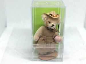 """MUFFY VANDERBEAR MINIATURE SERIES """"OUT OF IT IN AFRICA"""" COMMEMORATIVE #1442/1500"""