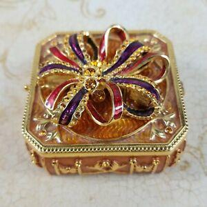 Joan Rivers Majestic Illusion Keepsake Trinket Box, Pin/Brooch & Earrings Set