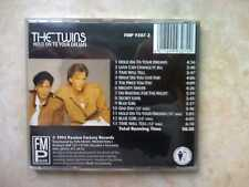 THE TWINS HOLD ON TO YOUR DREAMS FMP9307-2 CD FUN MUSIC PROMOTION RARE MINT