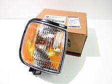 00-04 RODEO/01-03 RODEO SPORT/00-02 P/PORT PARK/SIGNAL LAMP RH IZ115-B000R *NIB*