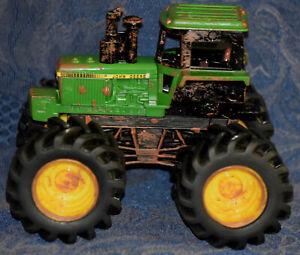 ERTL JOHN DEERE Tractor with Big Rubber Tires & Imitation Mud G0214Q01 FREE SHIP