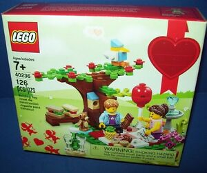 Lego 40236 Romantic Valentine Picnic Seasonal 2017 Set Retired NIB New