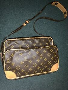 Near MINT! Vintage 1999 Louis Vuitton Monogram NILE Messenger Bag UNWORN