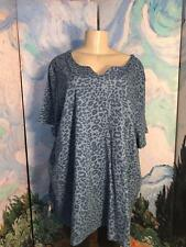 ROAMAN'S PLUS 2X BLUE ANIMAL PRINT SPLIT NECK COTTON MIX SHORT SLEEVE TUNIC TOP