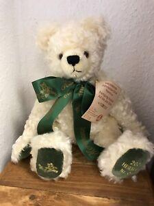 Hermann Teddy Bear Jahresbär 2004. 16 1/2in Limited Unrecorded