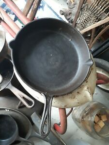 Vintage Cast Iron Cookwear camping fry frying pan 10 1/2