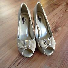 Beige Tan Heels Peep Open Toe Dress Shoes LADY GODIVA Women's Size 8.5 with Bow