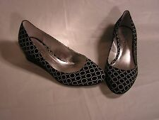 NWOT Jessica Simpson Size 7 Fabric Shoe w Black Patent Wedge Heel