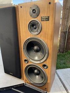Vintage TECHNICS SB-A52 Twin Woofer Three Way Tower Stereo Speakers NICE