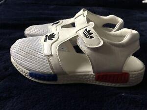 Boys Adidas Slippers Sandals White Size 3 UK White