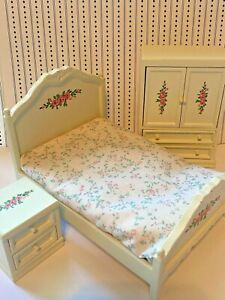 Vintage Roses Bed Armoire wardrobe Nightstand Wooden 1:12 Dollhouse