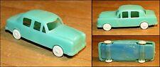 Micro miniature 1/87ème Peugeot 403 verte chassis bleu 1960-70 sans marque N°3