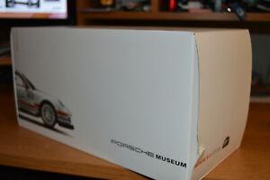 Welly: Porsche 911 GT3 Cup (North America version) Porsche Museum Edition 1/18