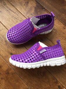 Holees Memory Foam Kids Slip On Beach,Walks Shoes Size UK 7 ,New With Box