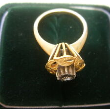Vintage 18k Gold ring with small Diamond, Unique, Tested guaranteed 18k