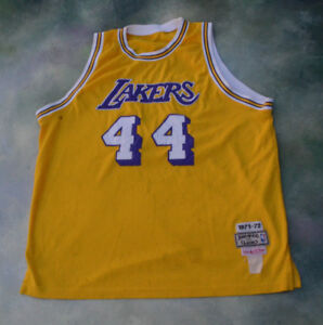Mitchell & Ness 1971-72 NBA Los Angeles Lakers Jerry West #44 Jersey.