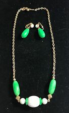 Avon VINTAGE GREEN WHITE BEAD NECKLACE DANGLE EARRING SET 1975 Come Summer