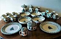"Vintage Tienshan Folk Craft ""SPONGE HUNTER"" Green Trees VERY EXCELLENT - CHOICE"