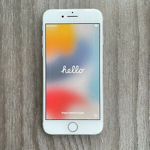 Apple iPhone 8 - 64GB - Silver (Unlocked) A1863 (CDMA + GSM) EXCELLENT CONDITION