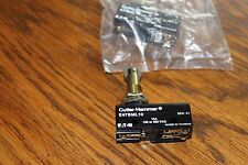 Lot of 6 Cutler Hammer Micro Precision Limit Switches,E47BML10,roller plunger