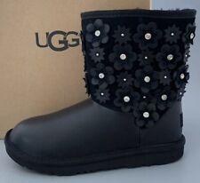 UGG CLASSIC SHORT II PETAL Leather/ Swarovski boots Kids 5 Fits WOMEN US7 Black