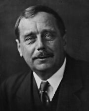"New 8x10 Photo: English Writer H. G. Wells - ""Father of Science Fiction"""