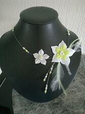 collier fleur de soie blanc/vert anis plumes perles soirée mariage