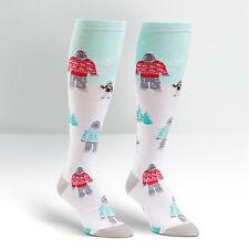 Sock it to me femmes hautes chaussettes-le yeti famille