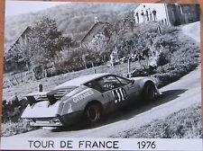 350 . 1 X PHOTO . RENAULT ALPINE . TOUR DE FRANCE . 1976 . FORMAT : 18 X 24 CM .
