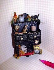 Miniature Outrageous Halloween Shelf/Colorful #2:DOLLHOUSE Miniatures 1:12