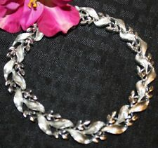 STUNNING LISNER SIGNED SILVER TONE NECKLACE NO METAL WEAR LOOK
