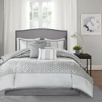 CONTEMPORARY CHIC ELEGANT GLAM GEOMETRIC GREY WHITE SILVER LUXURY COMFORTER SET