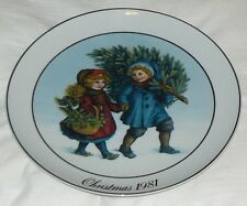 "Plate ""Christmas Memories"" Avon 1981 First Edition 9 1/4"""