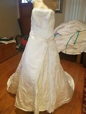 Alfred Angelo wedding dress b30 w28 l53 size 2 beading rhinestones corset