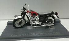 Motos miniatures rouges Triumph