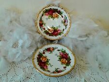 2 Royal Albert decor plates with Old country roses Bone China England 1960's