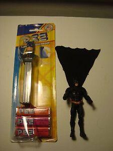 Sealed BATMAN,PEZ,DC COMICs CARD, Superhero,Dark Knight Candy dispenser + figure