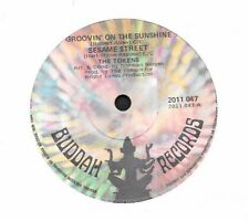 """The Tokens - Groovin' On The Sunshine / Listen To The Words - 7"""" single 45rpm"""