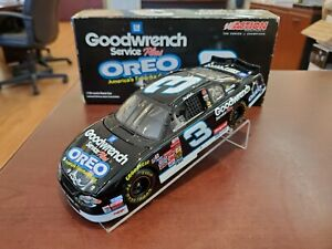 2001 Dale Earnhardt Sr #3 GM Goodwrench Service / Oreo 1:24 NASCAR Action MIB