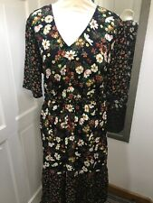 Black Brown Red Dark Winter Floral Tie Waist Size 16 Tea Dress Autumn