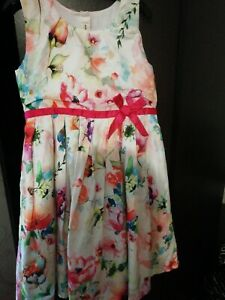 Girls Stunning party  dress  excellent  condition age 5-6