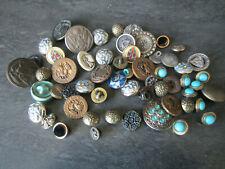 Lot de beaux boutons anciens vêtements anciens collection